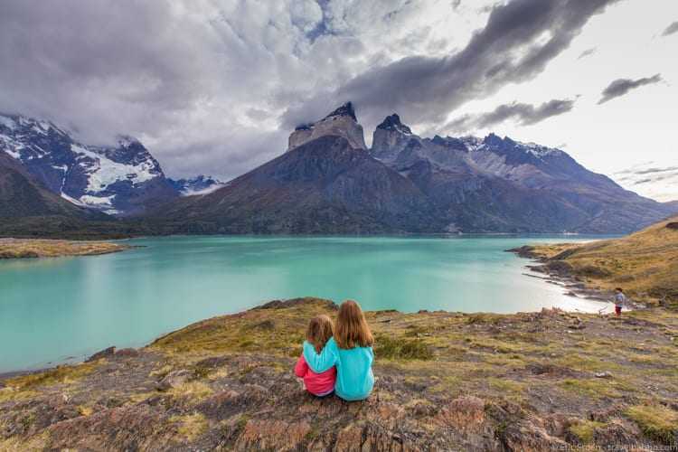 Patagonia with kids: Overlooking Lake Nordenskjold - a rest at the end of the trail