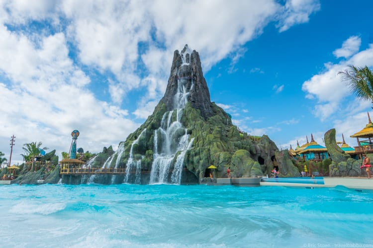 Volcano Bay: The wave pool at Volcano Bay