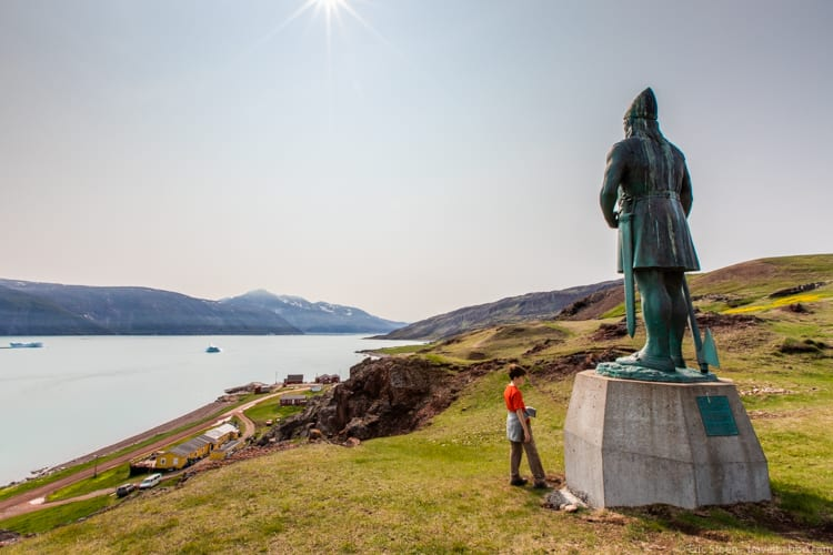 Greenland with kids - A statue of Leif Eriksson above Qassiarsuk