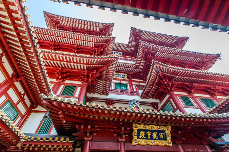 Singapore with kids - The Buddha Tooth Relic Temple