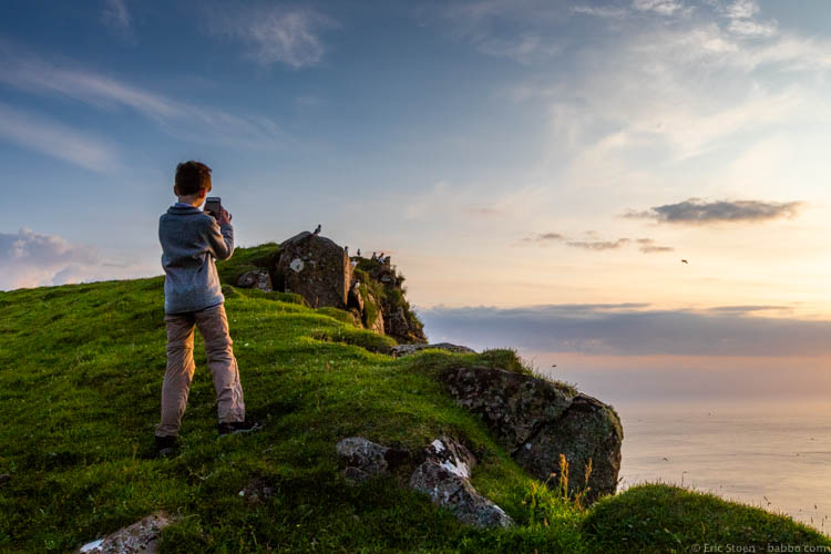 Faroe Islands - Photographing puffins