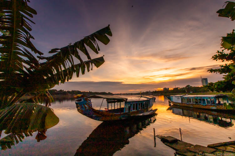 Asian countries - Vietnam - Sunrise on the Perfume River (a 30-second walk from our hotel)