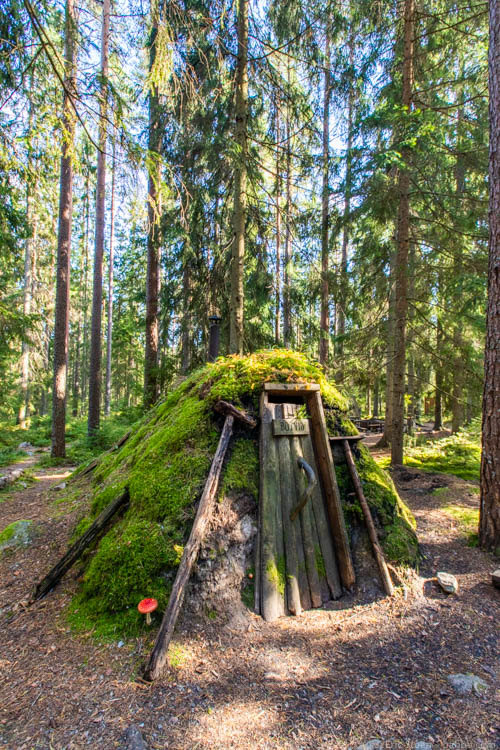 Sweden with kids - A forest hut at Kolarbyn