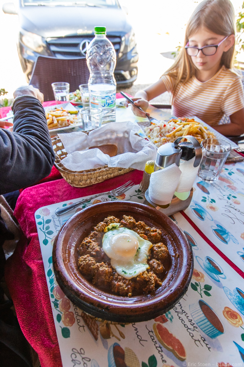 Morocco with Kids - Meatballs for lunch in Tinejdad