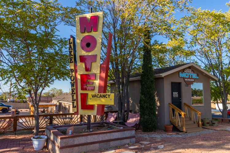 Best Road Trip Destinations - The Lake Powell Motel